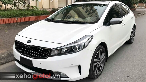 Ngoại thất xe Kia Cerato 1.6 AT 2017 cũ