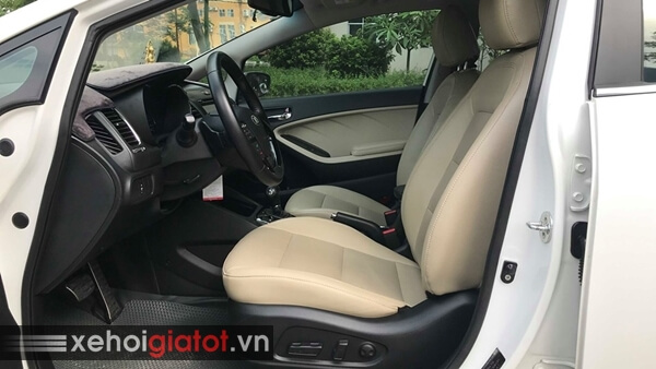 Ghế trước xe Kia Cerato 1.6 AT 2017 cũ