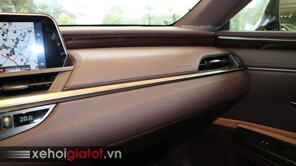 Bảng taplo xe Lexus ES 250