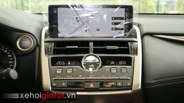 Bảng điều khiển trung tâm xe Lexus NX