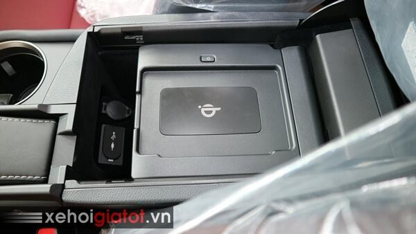 Sạc điện thoại không dây xe Lexus NX 300