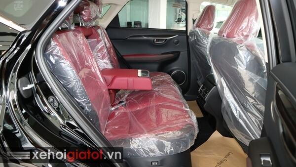 Hàng ghế sau xe Lexus NX 300