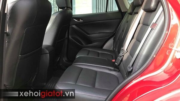 Hàng ghế sau xe Mazda CX-5 2.0 AT 2015 cũ