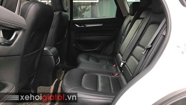 Hàng ghế sau xe Mazda CX-5 2.0 AT 2018 cũ