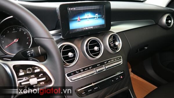 Bảng điều khiển trung tâm xe Mercedes C200