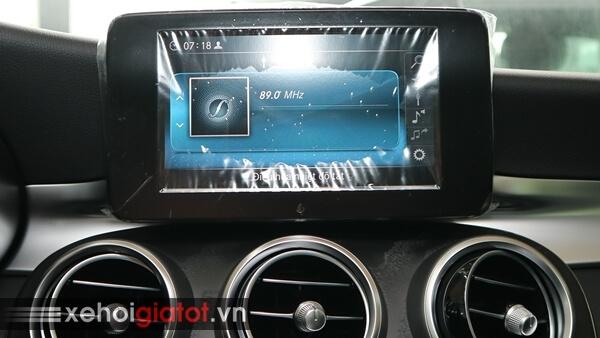 Màn hình giải trí xe Mercedes C200
