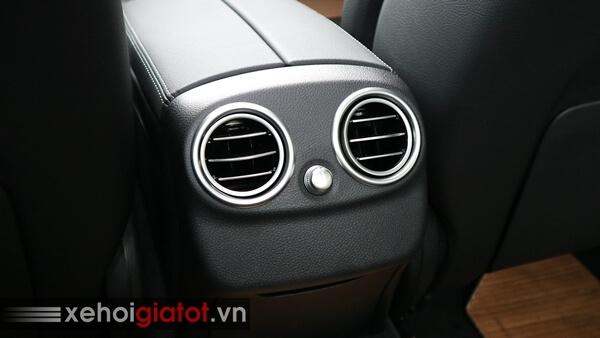 Điều hòa hàng ghế sau xe Mercedes C200