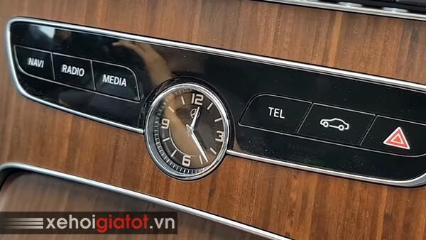 Đồng hồ cơ xe Mercedes C200 Exclusive