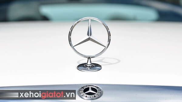 Logo xe Mercedes C200 Exclusive