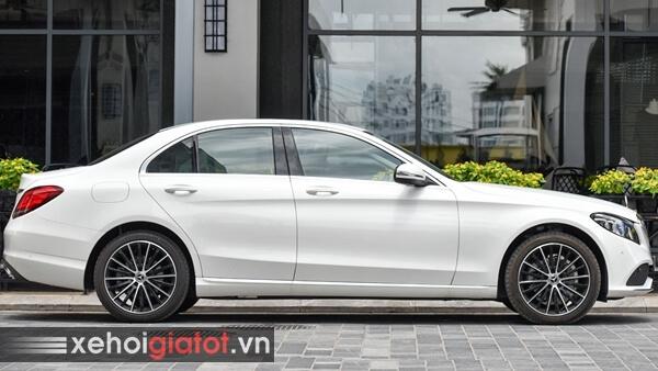 Phần thân xe Mercedes C200 Exclusive