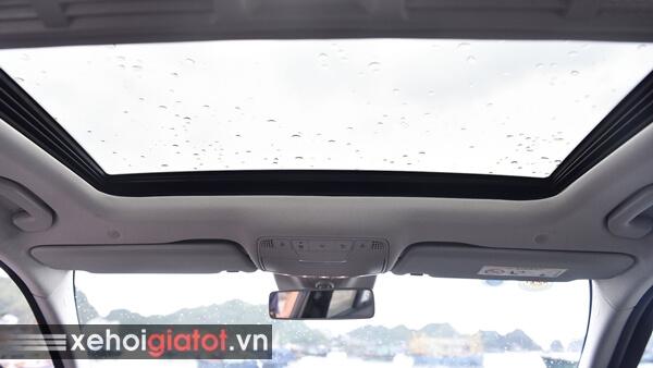 Cửa sổ trời xe Mercedes C200 Exclusive