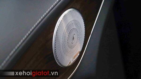 Dàn âm thanh xe Mercedes C200 Exclusive