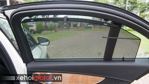 Rèm che nắng cửa kính sau xe Mercedes C200 Exclusive
