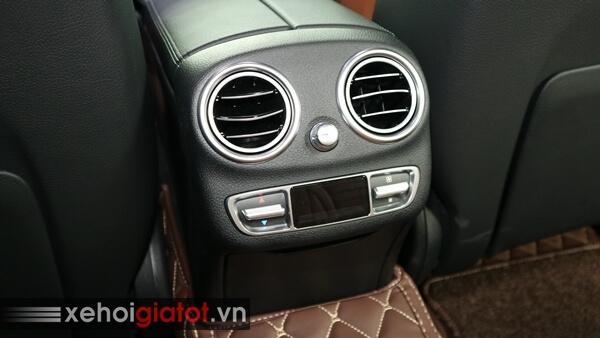 Điều hòa hàng ghế sau xe Mercedes C300 AMG