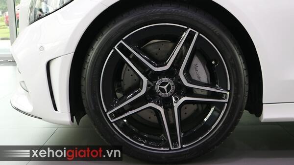 Vành la-zăng xe Mercedes C300 AMG