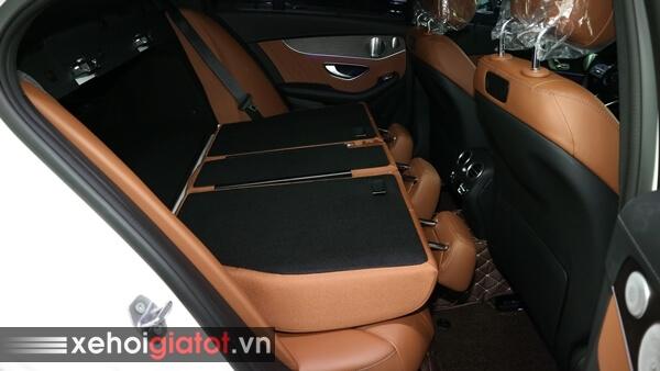 Gập ghế sau xe Mercedes C300 AMG