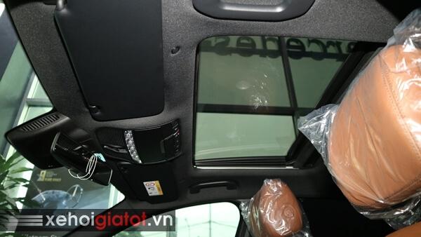 Cửa sổ trời xe Mercedes C300 AMG