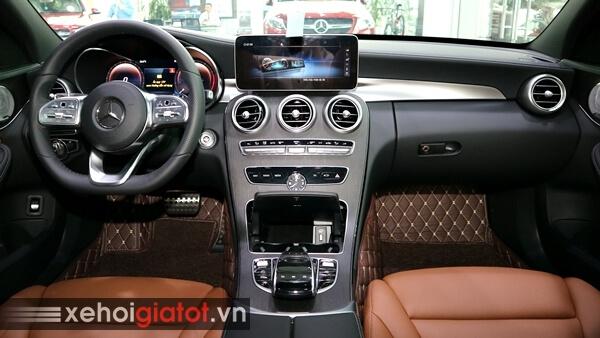 Nội thất xe Mercedes C300 AMG