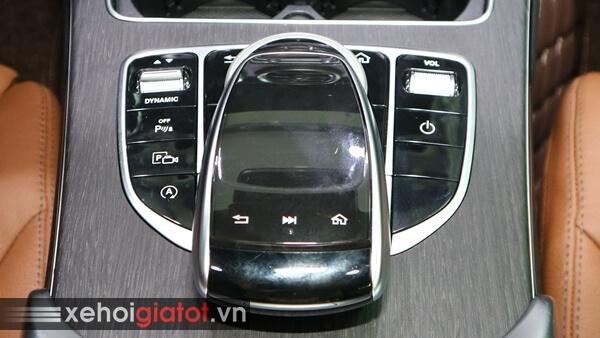 Touchpad cảm ứng xe Mercedes C300 AMG