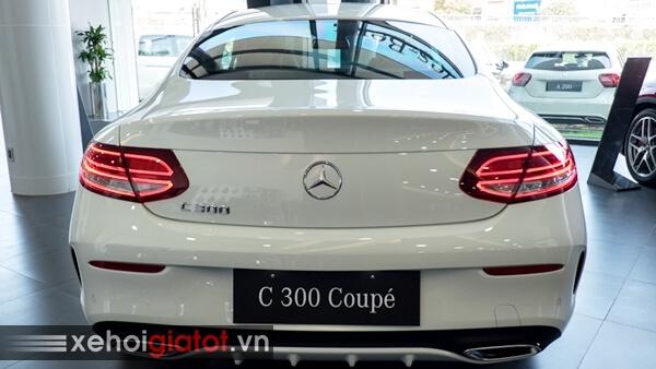 Đuôi sau xe Mercedes C300 Coupe