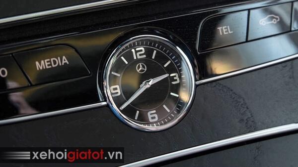 Đồng hồ cơ xe Mercedes C300 Coupe