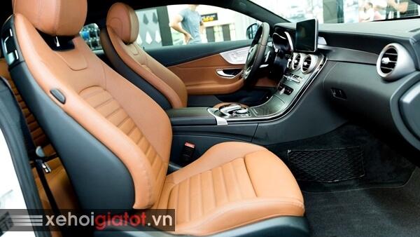 Hàng ghế trước xe Mercedes C300 Coupe