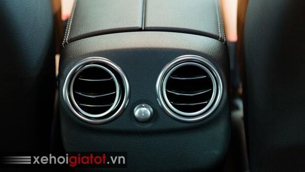 Điều hòa hàng ghế sau xe Mercedes C300 Coupe