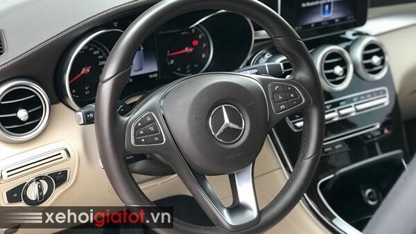 Vô lăng xe Mercedes GLC 200 2018 cũ