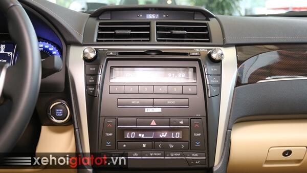 Bảng điều khiển trung tâm xe Camry 2.0E