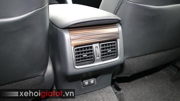 Điều hòa hàng ghế sau xe Camry 2.5Q