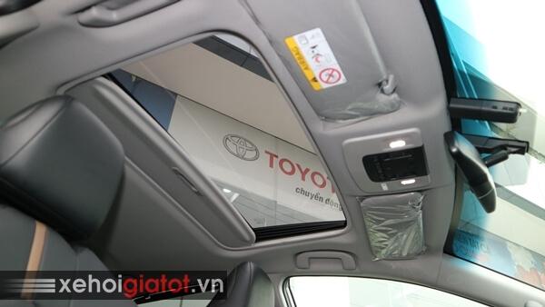 Cửa sổ trời xe Camry 2.5Q