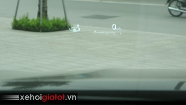Hiển thị kính lái HUD xe Camry 2.5Q