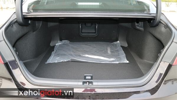 Cốp xe Camry 2.5Q