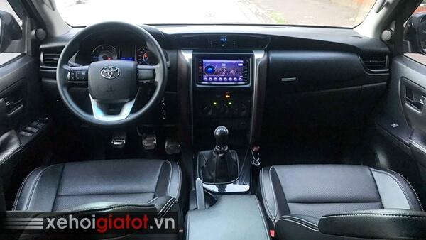 Nội thất xe Toyota Fortuner 2.4G MT 2017 cũ
