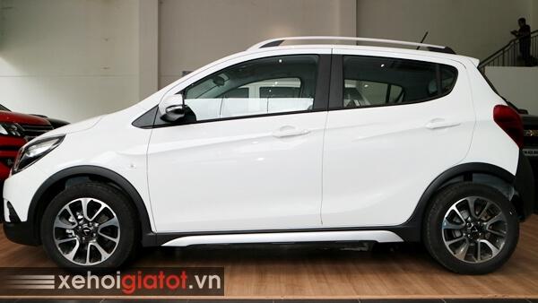 Phần thân xe Fadil 1.4 CVT cao cấp