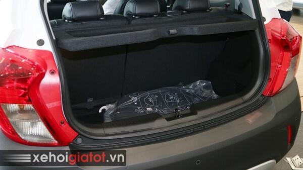 Cốp xe Fadil 1.4 CVT cao cấp