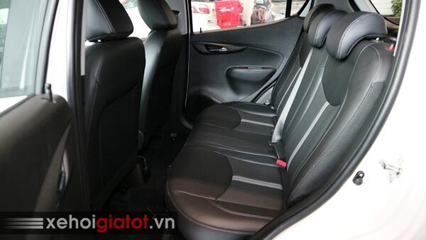 Hàng ghế sau xe Fadil 1.4 CVT cao cấp