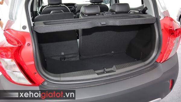 Cốp xe Fadil 1.4 CVT tiêu chuẩn