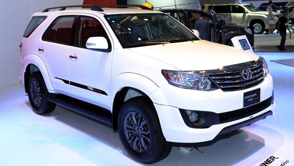 Toyota Fortuner TRD Sportivo 2.7V AT 4x4 2017