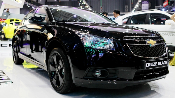 Chevrolet Cruze Black Edition 1.8 AT Đặc Biệt 2015