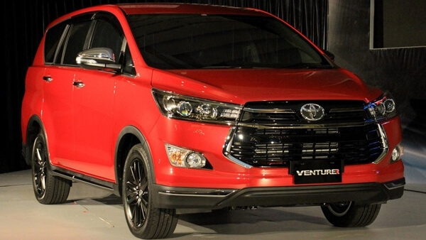 Toyota Innova Venturer 2.0 AT 2019