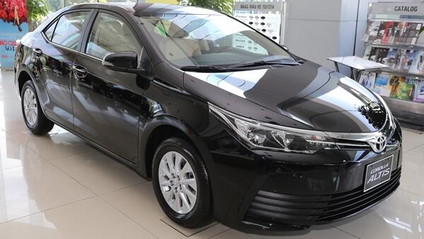 Toyota Corolla Altis 1.8E MT 2019