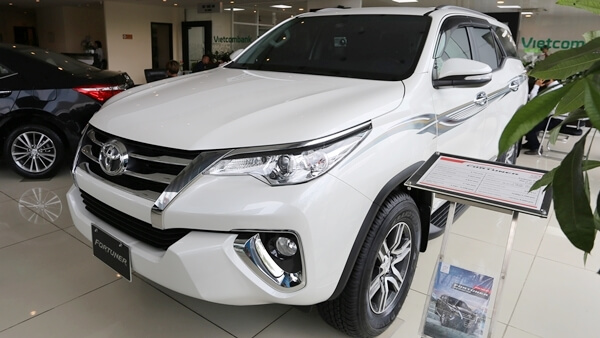 Toyota Fortuner 2.7V AT 4x2 AT 2019