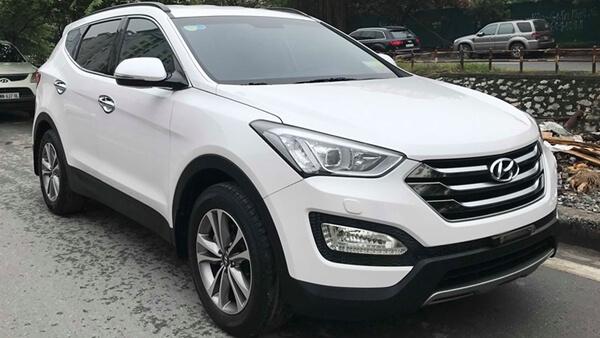 Hyundai Santafe 2.4 AT máy xăng 2014 màu trắng chạy 34.000 km