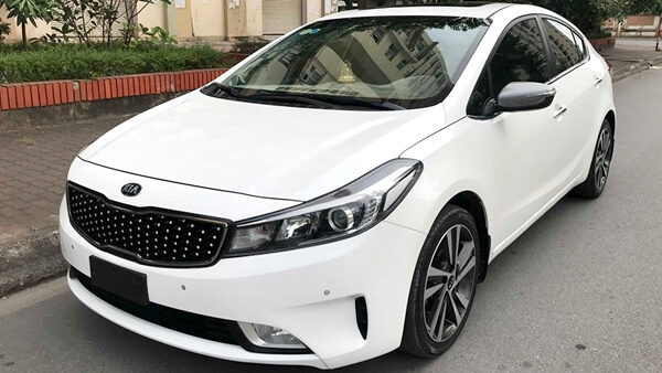 Kia Cerato 1.6 AT 2017 màu trắng chạy 26.500 km