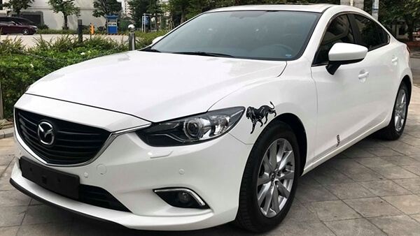 Mazda 6 2.0 AT 2016 màu trắng chạy 6.900 km