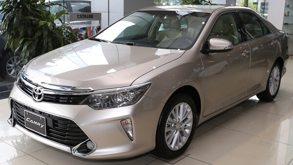 Toyota Camry 2.0E AT 2019