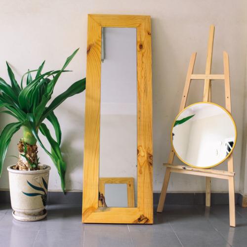 Gương soi đứng khung gỗ tự nhiên