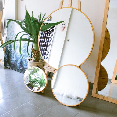 Gương soi tròn khung gỗ tự nhiên
