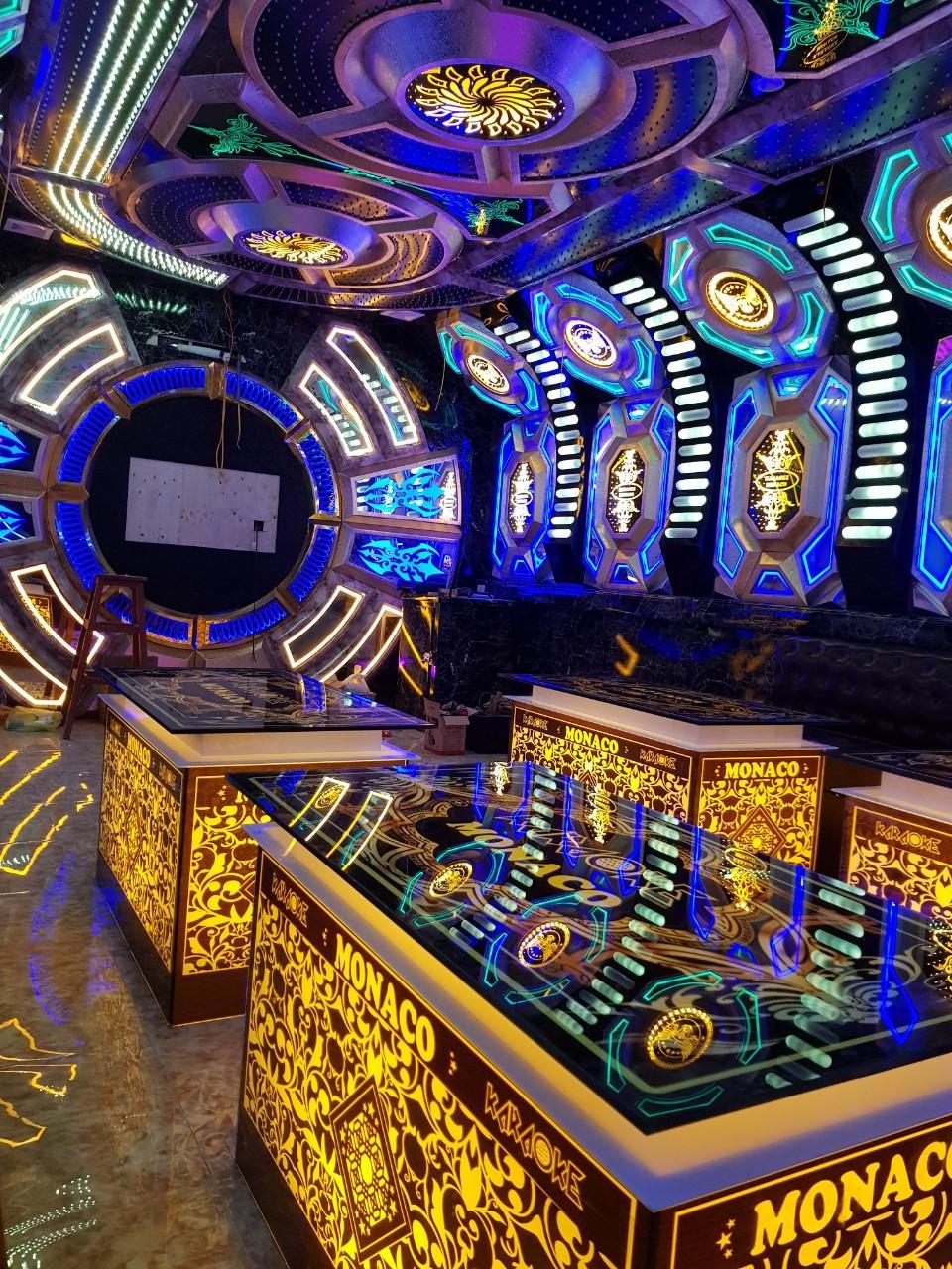 Bàn kính - Bàn karaoke Luxer